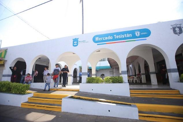 Entrega Zapopan rehabilitación del Mercado Municipal Tesistán