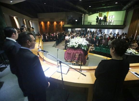 Preside Pablo Lemus homenaje póstumo en memoria de Juan José Bañuelos Guardado