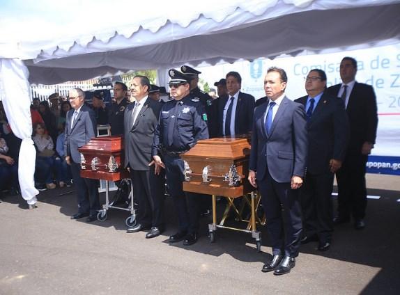 Con homenaje, dan último adiós a policías caídos de Zapopan