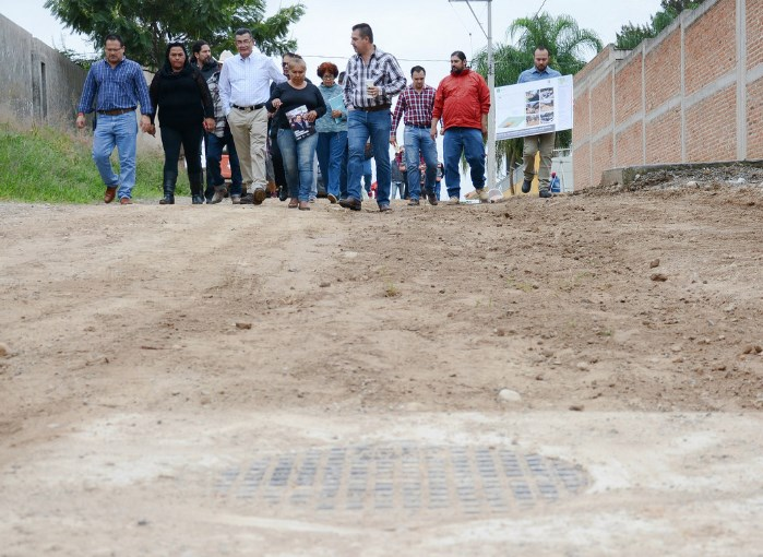 Entrega Zapopan infraestructura sanitaria en Pedregal de Milpillas