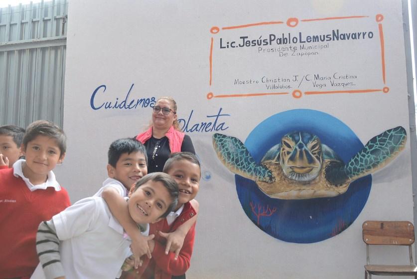 Arranca el programa 'Pinta Zapopan' en la escuela primaria Francisco Villa, en la colonia División del Norte