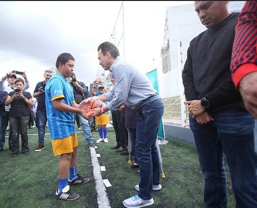 Entrega Zapopan uniformes a los equipos deportivos Tastoanes y Armadillos Sordos de Zapopan