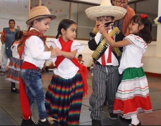 Conmemoran niños y niñas 108 aniversario de la Revolución Mexicana