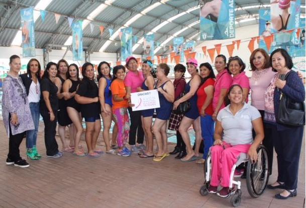 DIF Zapopan entrega mangas a mujeres con cáncer de mama