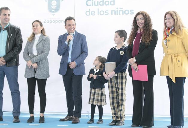 Lleva Zapopan, Ciudad de los Niños, programa Escuelas con Estrella a la primaria Niños Héroes de Chapultepec en la Colonia Parque Real