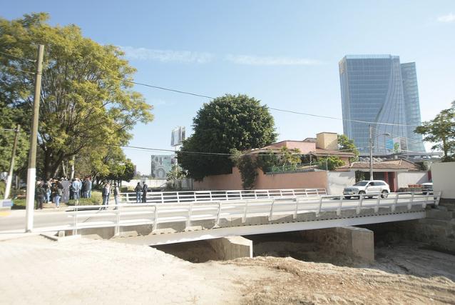 Presenta Zapopan reconstrucción de puente vehicular en el Fraccionamiento Residencial Colomos Patria