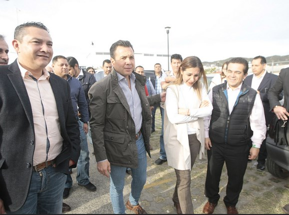 Suma Zapopan acciones en beneficio de la educación en Valle de los Molinos