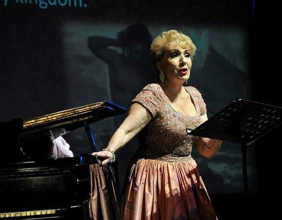 Presenta Zapopan a la soprano Nelly Miricioiu en el Centro Cultural Constitución