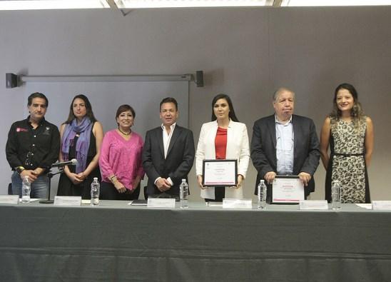 Recibirá el programa 'Luciérnaga, Bibliotecas de Zapopan' 10 mil libros donados por parte de la Fundación Universidad de Guadalajara A.C.