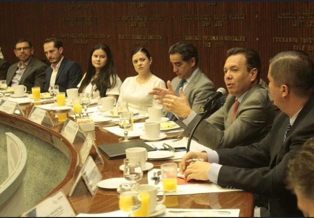 Refrenda Municipio alianza con Canaco Guadalajara para el programa Zapopan ¡Presente!