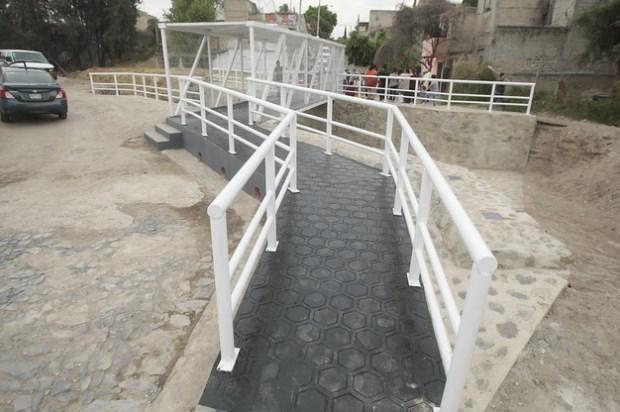 Entrega Zapopan puente peatonal para beneficio de las colonias Miramar y Mariano Otero