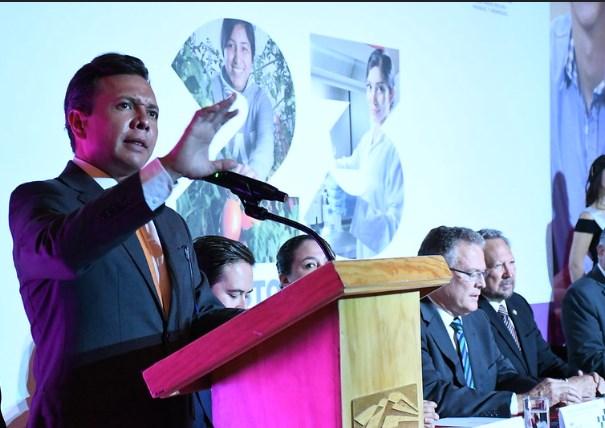 Participa Pablo Lemus en celebración por tercer aniversario del TECMM